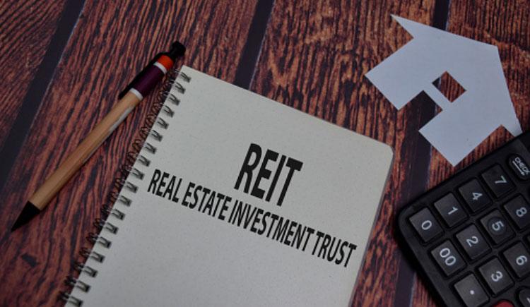 分享投資於房地產投資信託基金的好處,包括可以提供穩定派息及抵抗通貨膨脹。對於想穩定提升現金流的投資者尤其重要,例如退休人士或資產值已足夠大到財務自由的投資者。